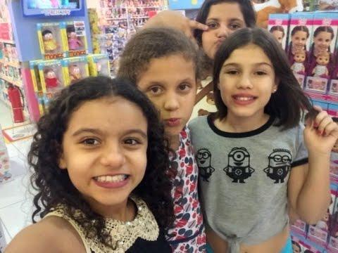 Com as amigas no Shopping - Fazendo bagunça  e diversão - Cinema - Isabela Vaidosa