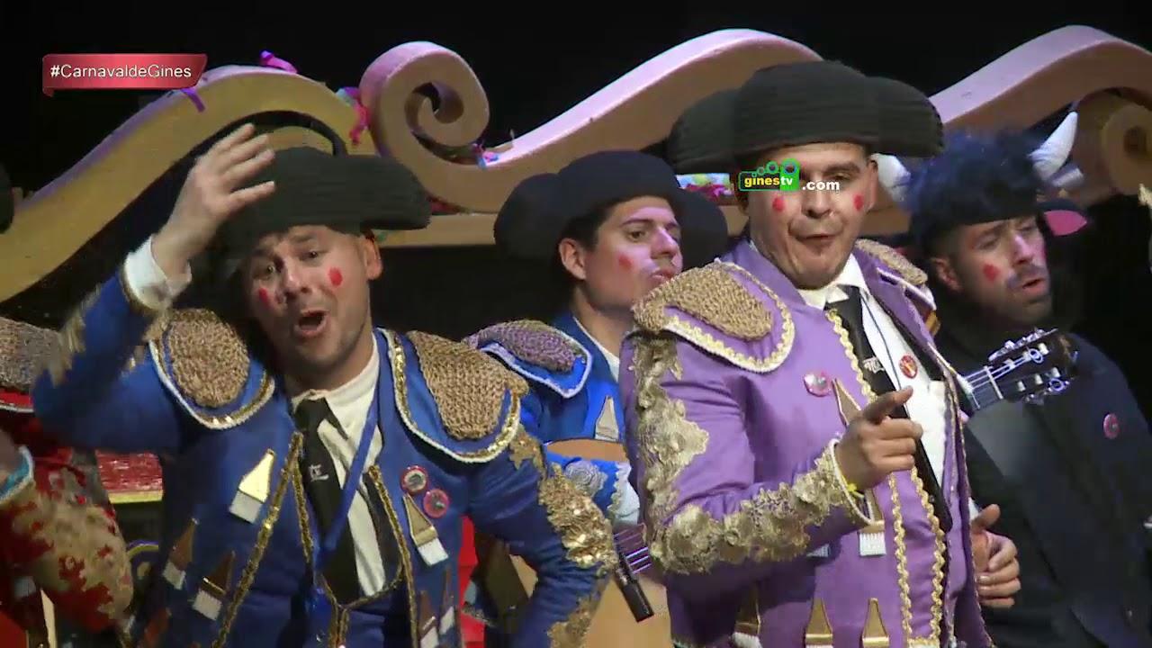 Actuación de 'Una corrida en tu cara' en la Gala Inaugural del Carnaval de Gines 2018