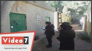 بالفيديو..بكاء أسرة الشهيد طيار محمد شقير بعد دفنه فى البدرشين