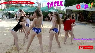 Twerk on the beach in bikini girls Dance / Танец попой на пляже ТВЕРК