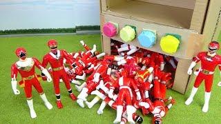 赤い戦隊ヒーロー カクレンジャー オーレンジャー カーレンジャー ダンボール自販機で遊ぶぞ