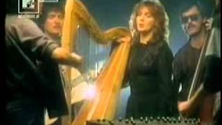 Robin The Hooded Man-The Original Theme Tune To Robin Of Sherwood - Clannad Live