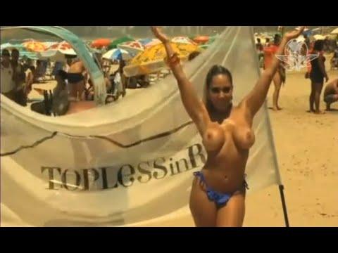 Brasileñas muestran sus senos; demandan igualdad y libertad en playas thumbnail