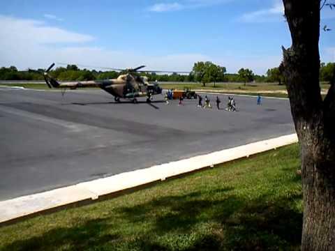 sri lanka air force parachute training team