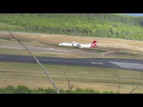 Dash 8 Q400 Qantaslink Landing On Windy Day (YBCS)