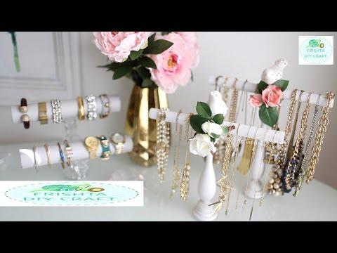 DIY Bracelet/Jewelry Holder! | DIY EASY Necklace & Bracelet Holder | ROOM DECOR 2017