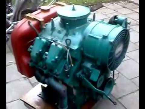 Diesel Engine Working >> Bernard moteurs W44 diesel V4 - YouTube