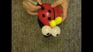 как сделать божью коровку из шаров,божья коровка из шариков/bug of the balls