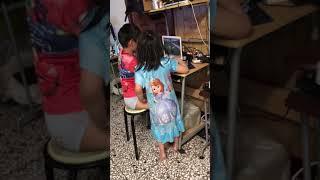 Elic lao hsu & Athena lao hsu playing roblox games - part 2
