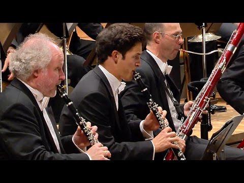 Dvořák: Symphony No. 7 / Urbański · Berliner Philharmoniker