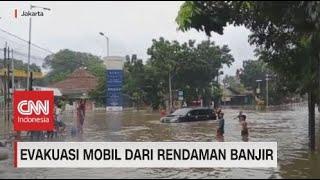 Puluhan Mobil Terendam Akibat Banjir