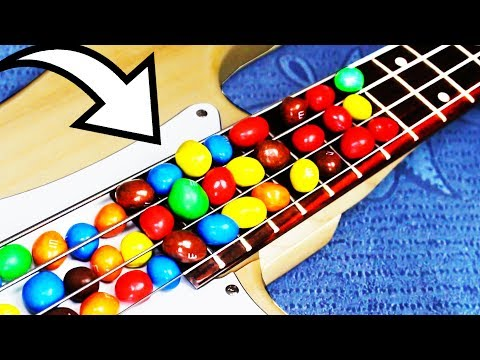 Download Youtube: Eminem played with M&M's