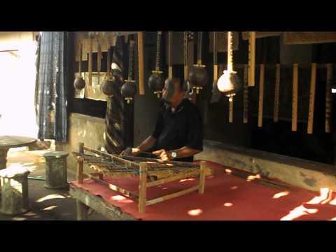 Instrument de musique en Bambou _ village traditionnel de Tenganan