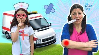 ANNY FINGE BRINCAR DE SER MÉDICA e SALVA a MAMÃE DODÓI / Pretend Play With Doctor