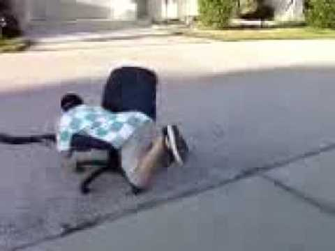Spinning in a chair with a leaf-blower hilarious & Spinning in a chair with a leaf-blower hilarious - YouTube