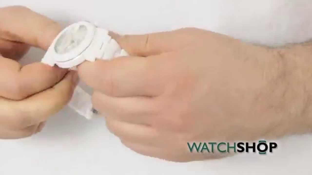 193a25e5eff Mens Gucci G Chrono Ceramic Chronograph Watch (YA101353) - YouTube