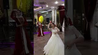 Harsi  par! Красивый танец невесты для жениха.