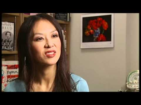 'Tiger Mother' Amy Chua speaks to Channel 4 News