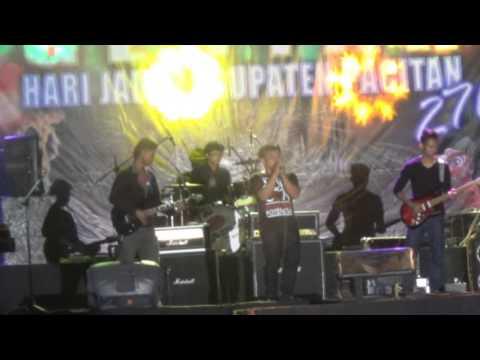 Yang Kedua - Blackout Cover - Live at Alun Alun Pacitan