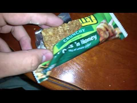 Nature Valley crunchy granola bar review