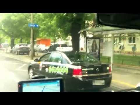 PATRIOT24 NEWS: Kierowca Taksówki W Warszawie Pluje Na Innego Kierowcę!