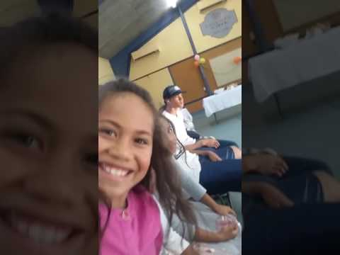 Tuvalu kids dacing