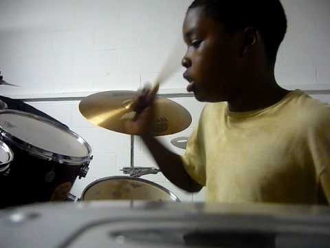 Willie-Marvin Sapp-Possess the land(drum cover)