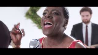 Sharon Jones & the Dap-Kings White Christmas