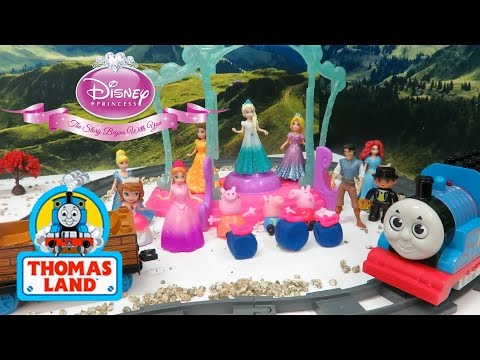Story About Thomas Help Disney Princess To Transport Christmas Gifts