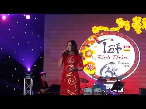 Chuyện Hoa Sim & Huế Buồn - Như Quỳnh Live (January 2016)