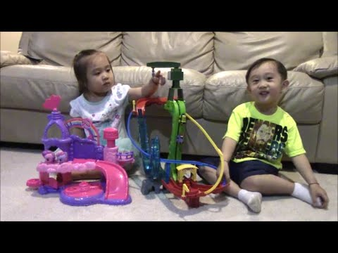 Thomas and Friends Minis Motorized Raceway + Playskool Friends Musical Celebration Castle MLP