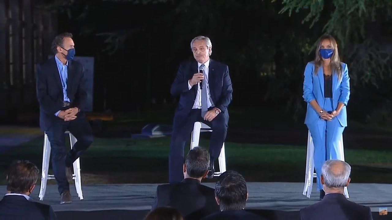 """Fernández llamó a """"construir un país distinto al que se venía construyendo hasta diciembre de 2019"""""""