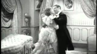 Merry Widow - Jeanette Macdonald