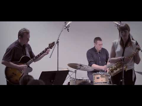Rachael Cohen Quartet performs 'Just for You' ft. Phil Robson