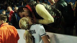 Поцелуй лучшего игрока матча Россия - Мексика