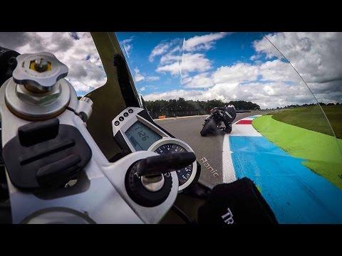Triumph Daytona  VS Suzuki GSX-R / RAW onboard / GYROCAM