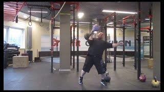 Гири - разваляшки:48кг + 22кг. 70kg one hand dead muscle clean: kettlebells 48kg+22kg.