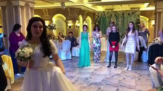 Неожиданное предложение руки и сердца на свадьбе друзей ❤
