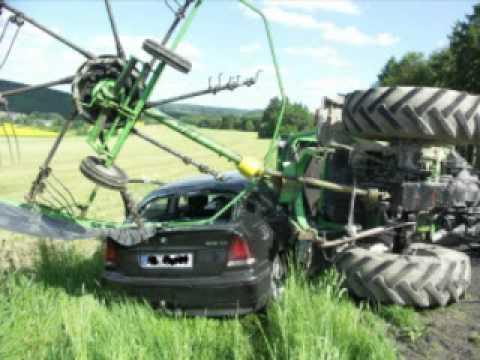 traktoren im schlamm