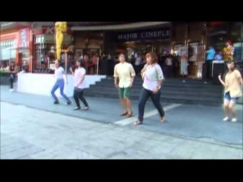 L'arc-en-Ciel : Stay Away - Flash mob by Thai Fans