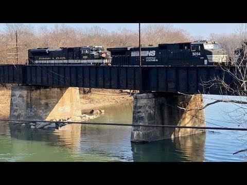 Abandoned Railroad Crossings & Stalled Train Rescue !  Hamilton Ohio Trains