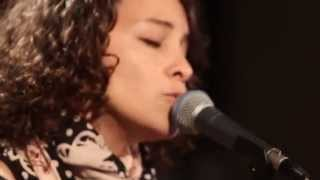 "Gaby Moreno - ""Blues de Mar"""