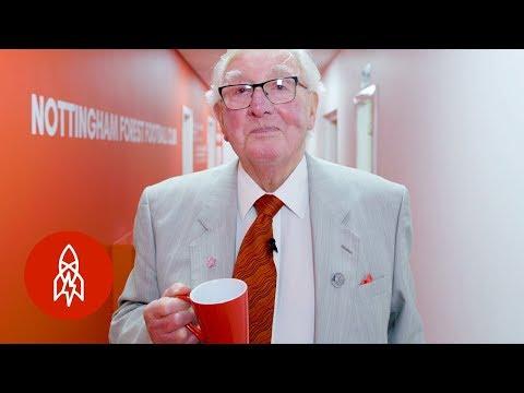 England's 88-Year-Old Tea Boy Loves His Job