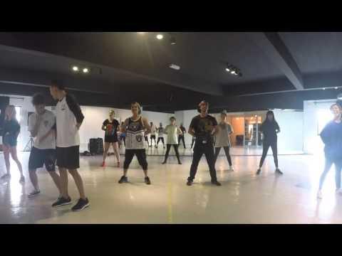 Polis Evo dance Flashmob