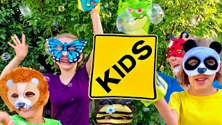 Learn English Words! Animal Bubbles with Sign Post Kids!