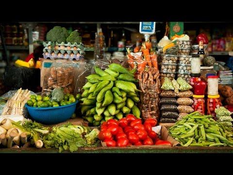mercado-central-de-san-pedro-in-cusco,-peru