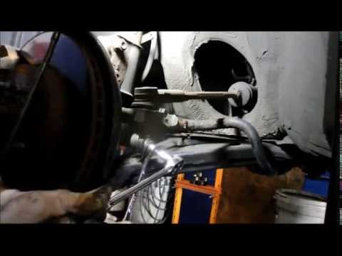 How To Replace The Stabilizer Links On A Toyota Corolla