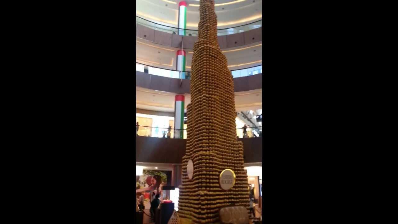 برج خليفة من الشيكولاته في مول دبي Youtube