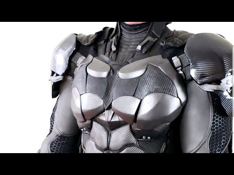 BATMAN SUIT REVIEW COSPLAY COSTUME MADE BY NAYTHERO BATMAN ARKHAM GAMES REPLICA