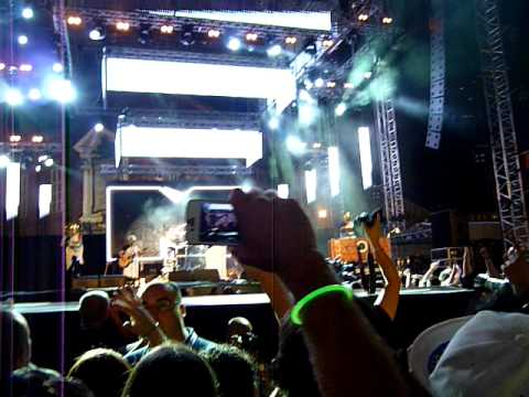caparezza @ mtv days 2011 torino – chi se ne frega della musica